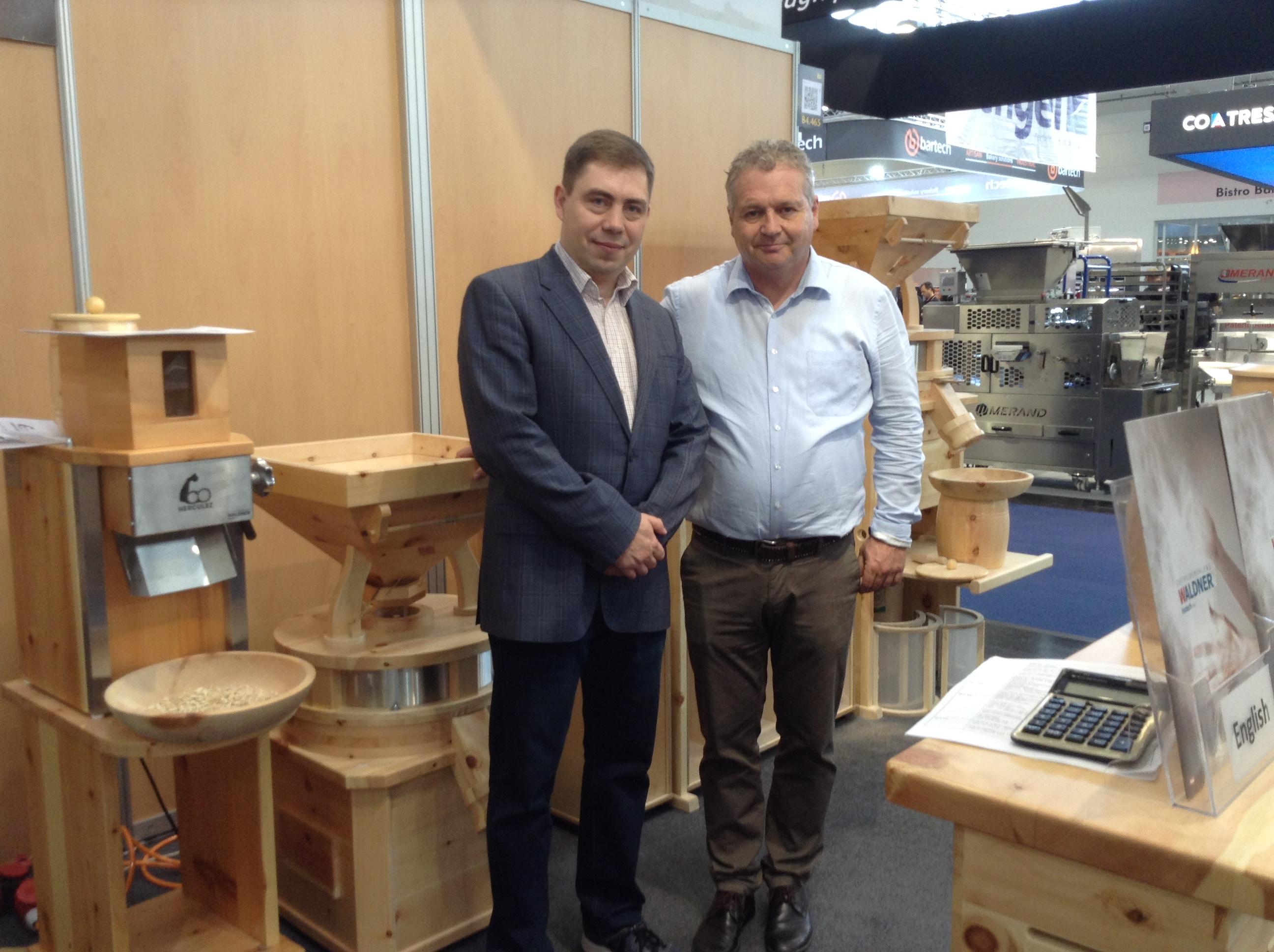 Леонид Демидов от компании SHELDEM и Дитер Вальднер от Waldner Biotech на выставке IBA